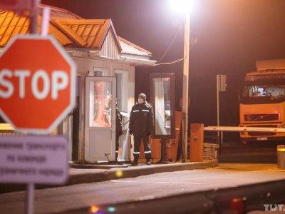 Беларусь закрывает границы на выезд. Все, что надо знать водителям