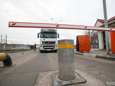 Полгода в кабине грузовика. Как белорусские дальнобойщики переживут ограничение на выезд из страны