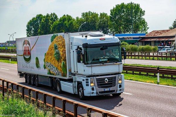 11 nap kamionstop Olaszországban augusztusban