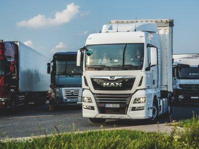 Брюссель развеивает сомнения в отношении Пакета мобильности. Речь идет об обязательном возвращении водителя и запрете на ночлег в кабине