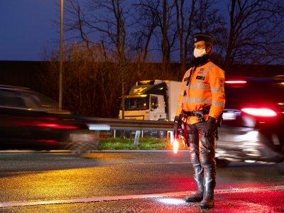 Dėl chaoso Didžiosios Britanijos pasienyje pirma šalis įvedė vairuotojų darbo laiko nuostatų sušvelninimą