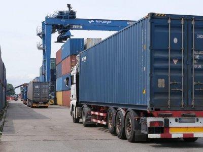 Растет потенциал транзита из Китая в Европу. Доля контейнерных перевозок в ближайшем будущем может составить около 10 проц.