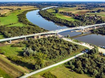 """Nowy most przez Wisłę. Prom rzeczny """"popłynie"""" wreszcie do lamusa"""