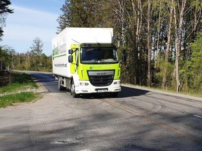 European manufacturers to end sales of petrol & diesel trucks 10 years sooner than planned