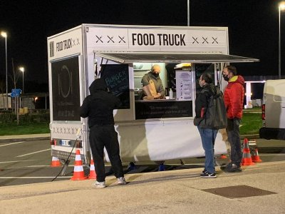 Mese calde oferite gratuit în Franța șoferilor de camion; lista locațiilor și meniurile oferite