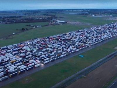 Dabartinė padėtis Didžiojoje Britanijoje. Kada vairuotojai sugrįš namo? [LIVE]