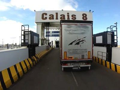 Prancūzija: chaosas Kalė uoste ir A16 greitkelyje