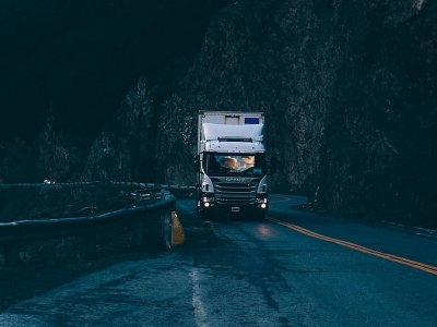 EU Commission explain when truck drivers may exceed daily and weekly driving time