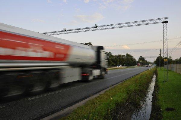Lenkija įveda naują rinkliavų už mokamus kelius sistemą