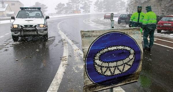 Ciężarówki uwięzione na parkingach, a w sklepach problemy z zaopatrzeniem – zima w Hiszpanii nie odp