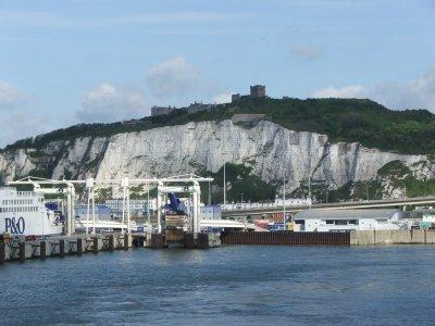 Häfen in Großbritannien und der EU funktionieren bisher trotz neuer Zollkontrollen reibungslos. Es werden jedoch weiterhin Störungen erwartet