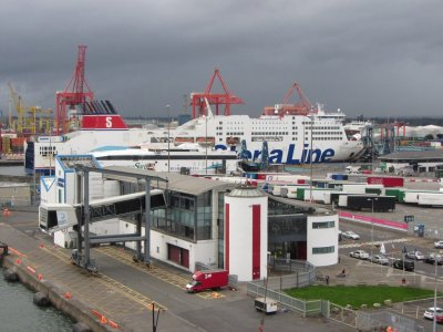 Hauliers warned of fines for not going through customs at Irish ports