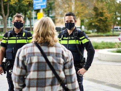 Нидерланды вводят комендантский час. Водителям нужны декларации