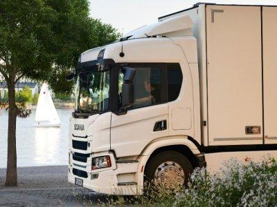 A német A2-es autópálya parkolói elektromos teherautókhoz való megatöltőket kapnak