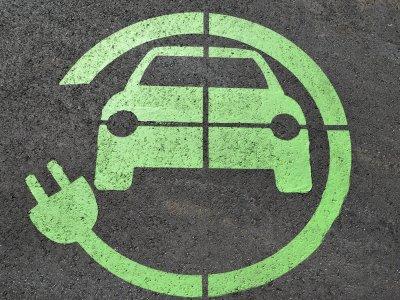 Франция доплатит перевозчикам 50 тыс. евро для покупки электрических и водородных грузовиков