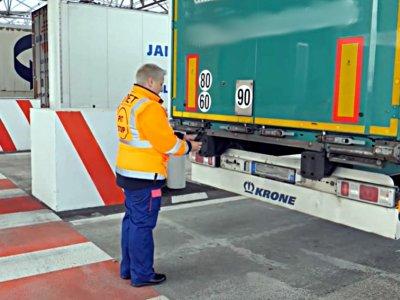 """Kelių transporto taisyklės po """"Brexito"""". Krovinių gabenimo sąlygos ir Kento sienos kirtimo punkto leidimas"""