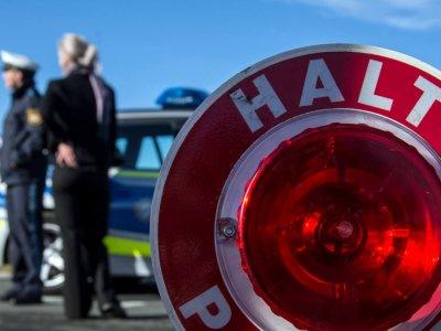 Po ośmiu miesiącach dochodzenia ustalili, że prowadził niemal 63 godziny bez przerw. Teraz trucker i jego pracodawca zapłacą ponad 150 tys. euro
