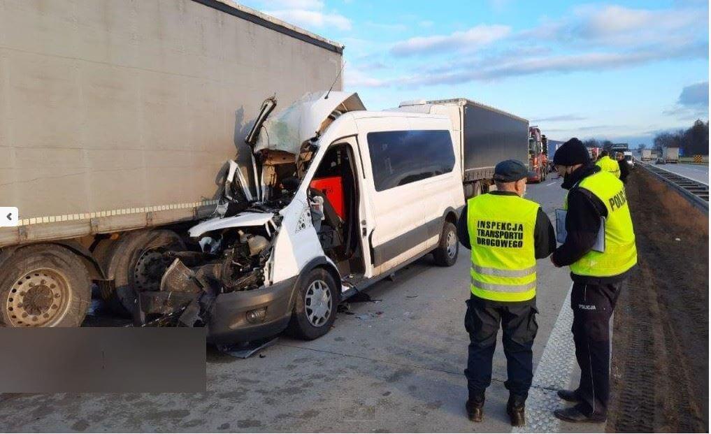 Tödlicher Unfall: Eisplatte auf Lkw-Dach und wieder keine Rettungsgasse