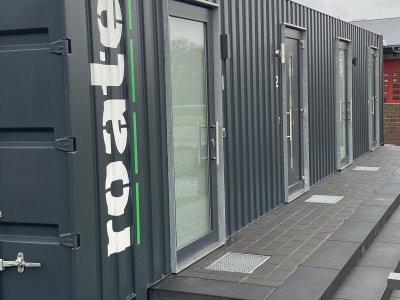 Düsseldorfer Unternehmer bauen Minihotels aus Überseecontainern