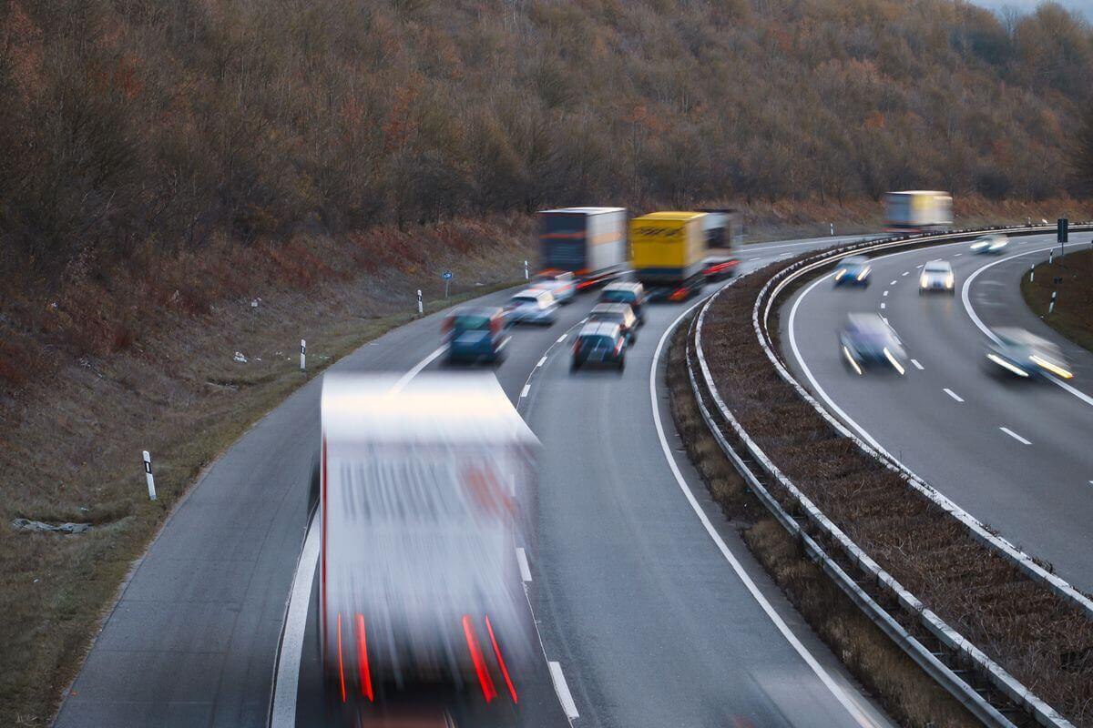 Tízezer európai kamionos számára kér vízumot a brit logisztikai szervezet