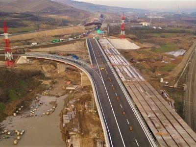Ca în fiecare an, lumea ne întreabă câți kilometri de autostradă vom inaugura. Deci?