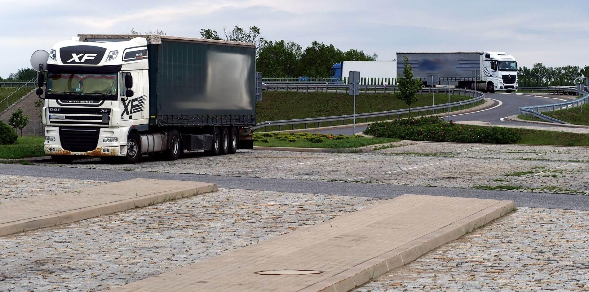 Sausio sunkvežimių eismo apribojimai. Patikrinkite, kur ir kada jie galioja