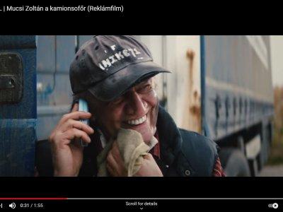 Mucsi Zoli a K.A.Kamion cég kamionosa. Mi a menő reklám, ha nem ez?