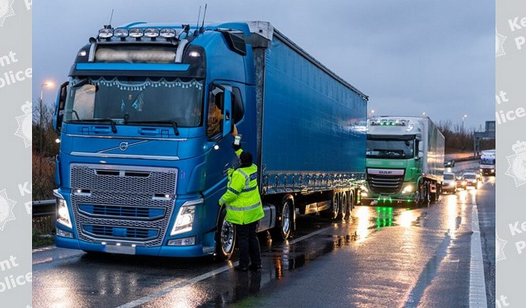 407 lorry drivers have now been fined for not having Kent Access Permit