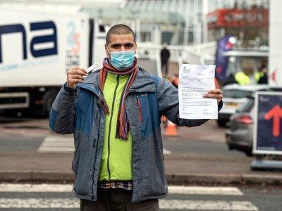 Kierowcy ciężarówek zwolnieni z badań na koronawirusa przy wjeździe do Anglii
