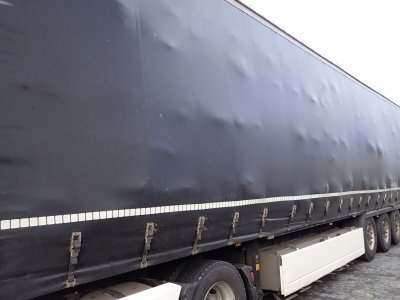 German police dish out €1,700 fine for oversized cargo that bulged the tarp