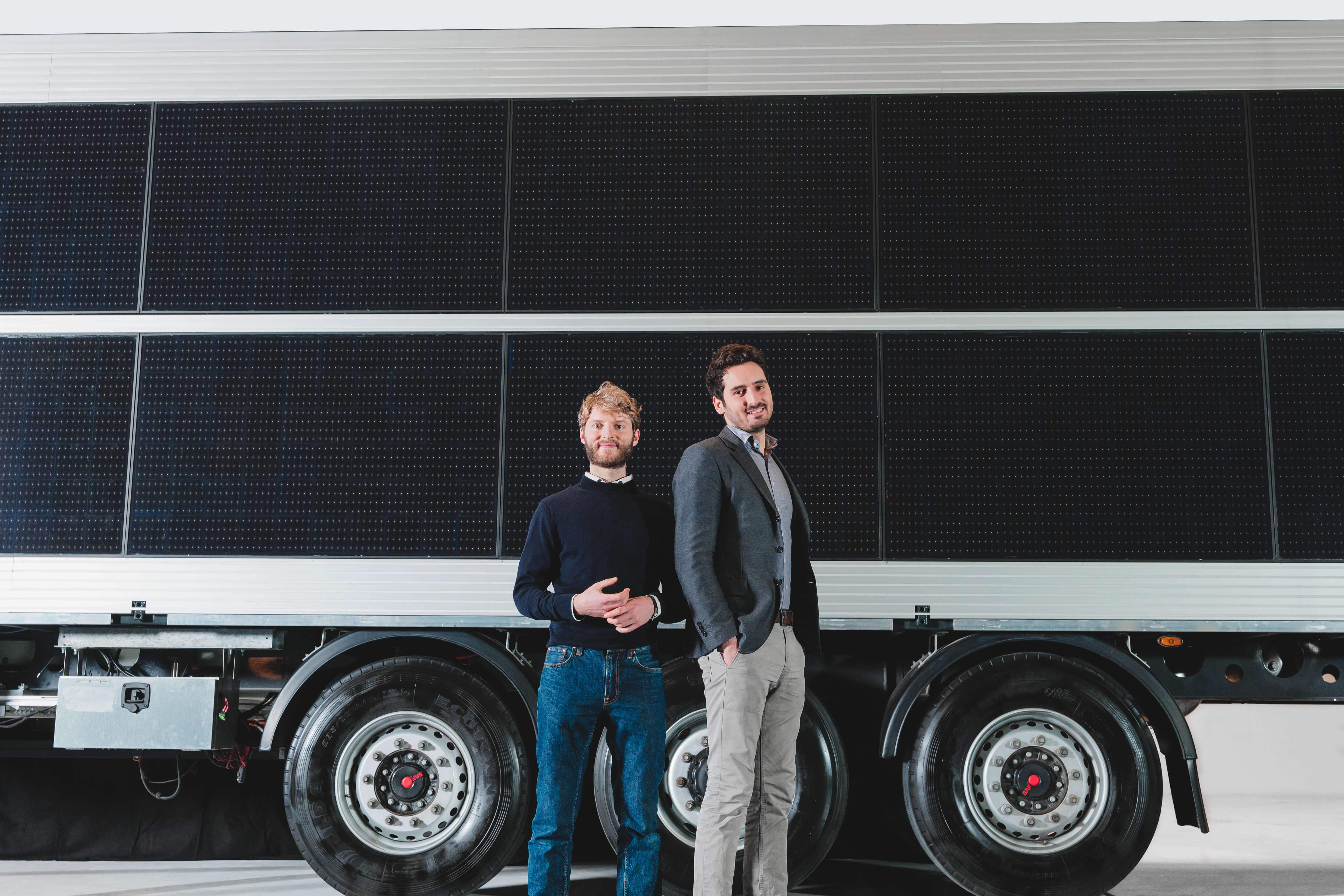 Photovoltaik-Auflieger für LKW von Sono Motors