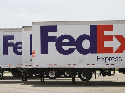 """""""FedEx"""" planuoja atsisakyti virš 6 tūkst. darbo vietų Europoje"""