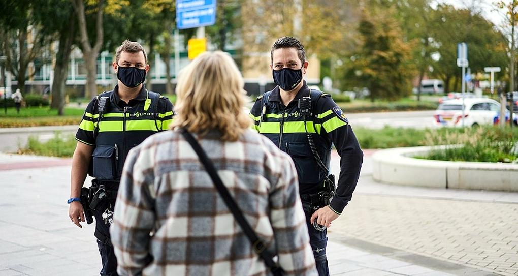 Niderlandy wprowadzają godzinę policyjną. Kierowcy będą musieli mieć deklaracje