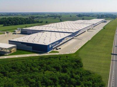 Allegro będzie oferować usługi logistyczne – w nowym magazynie pod Warszawą