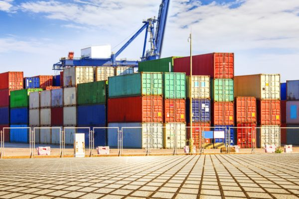 Объем торговли Китая с Восточной Европой впервые превысил $100 млрд. Прямые инвестиции КНР составили
