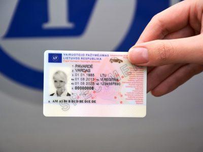 Vairuotojo pažymėjimų, licencijų ir transporto leidimų galiojimo pratęsimas šešiais mėnesiais. ES šalys pagaliau susitarė