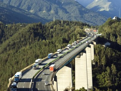 Nincs kegyelem -Tirolban 3000 bírságot szabtak ki az új vezetési tilalom miatt