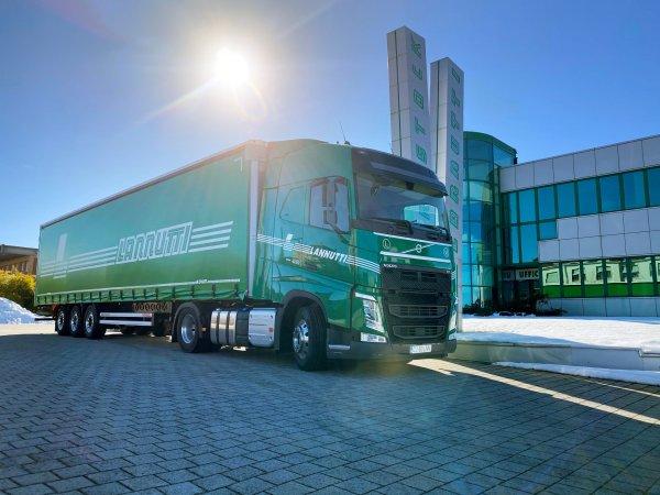 Italian haulier Lannutti tools up with 1,000 new fuel-efficient Volvo trucks