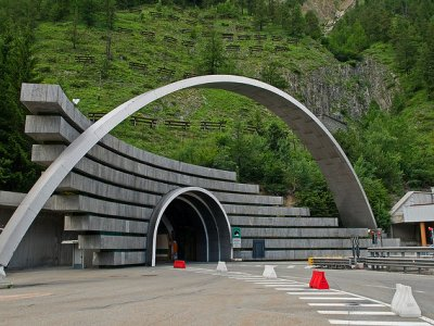 Trafic restricționat temporar în tunelul Mont Blanc