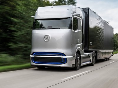 Moment istoric I Daimler și Mercedes-Benz se vor diviza în două companii distincte: Mercedes Benz Cars & Vans și Daimler Trucks & Buses