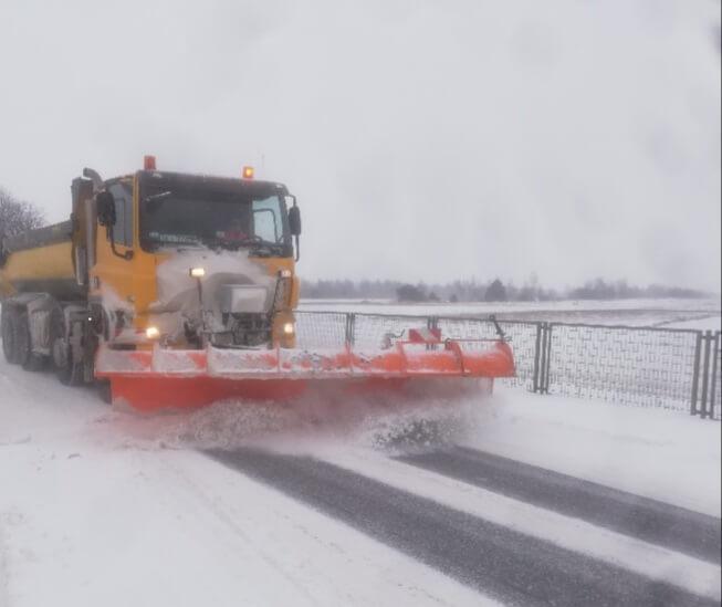 Zima nie odpuszcza. Nowe wiadomości o sytuacji na A4, wciąż trudne warunki drogowe na Zachodzie [LIVE]