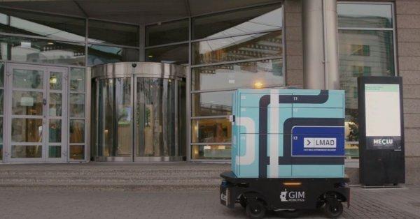 Autonomiczne dostawy w Helsinkach, czyli automat paczkowy podjeżdża pod dom