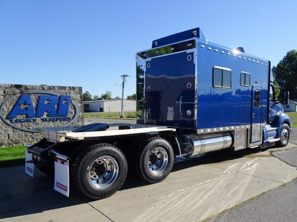 Luksusowe życie w ciężarówce? Zobacz kabiny sypialne o powierzchni 17 metrów kwadratowych! [GALERIA]