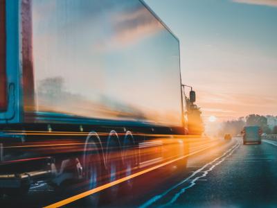 """EuroCommerce: """"Măsurile de siguranță implementate de statele membre fac imposibilă trecerea camioanelor"""""""
