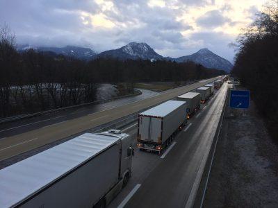 Rechtsgutachten: Sektorales Lkw-Fahrverbot in Tirol ist rechtswidrig
