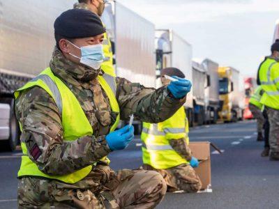 Kur vairuotojai gali atlikti koronaviruso testą ES šalyse? Patikrinkite centrų sąrašą