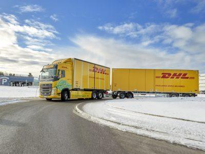 60 tonnás teljesen elektromos Volvót tesztel a DHL