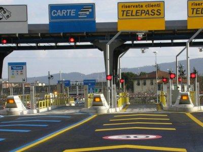 Italia ridică restricțiile de trafic pentru camioane până la finalul lunii