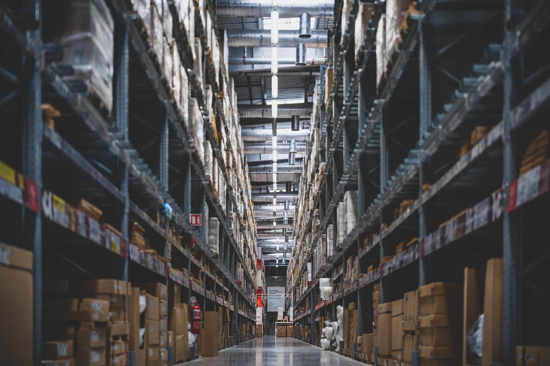 By sprostać potrzebom rynku e-commerce musi powstać prawie siedem razy tyle powierzchni magazynowej co istnieje w Polsce