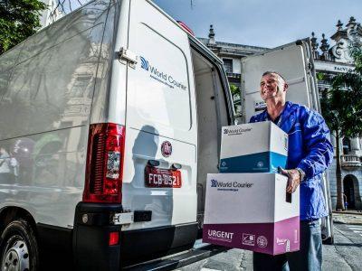 """""""Tokiai operacijai ruošėmės 30 metų"""". Logistikos bendrovė pasakoja apie COVID-19 vakcinų logistiką"""